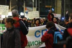 数千保加利亚人抗议反对政府计划扩展班斯科滑雪胜地在Pirin国家公园 免版税库存照片