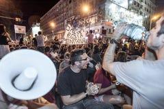 数千在罗马尼亚召集反对布加勒斯特的加拿大控制金矿 免版税库存图片