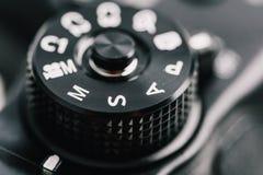 数字式显示开口、快门速度、指南和程序制作方式的摄象机控制拨号盘 免版税库存图片