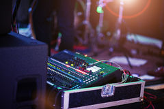 数字式混合的控制台 混音器控制板,澳大利亚特写镜头  库存图片