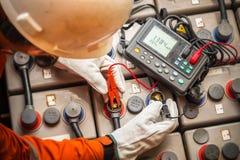 数字式电池测试器 免版税库存图片