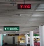 数字钟在唐Mueang机场在泰国 库存照片