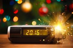 数字钟被带领的显示与2016个新年 库存照片