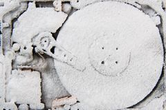 数据(在雪的硬盘驱动器) 免版税库存照片
