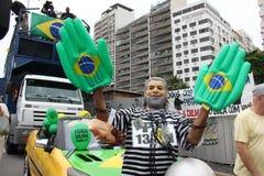 数百万巴西人要求迪尔玛・罗塞夫的弹劾 库存照片