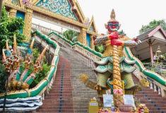 敲响了小山寺庙,普吉岛,泰国 库存照片