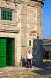 敲响响铃,圣诞老人尤拉莉亚教会, O Pedrouzo,西班牙 图库摄影