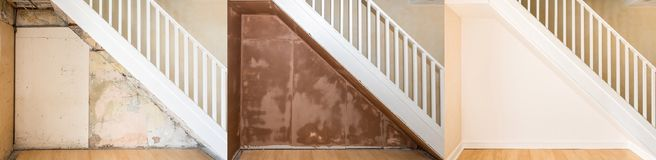整修的进步图象在一个老楼梯下的 免版税图库摄影