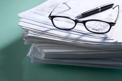 文件表单堆税顶层 免版税库存图片