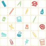 文具样式无缝的背景  五颜六色的学校题材 免版税库存图片