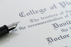 文凭笔 免版税库存图片