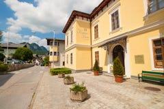 文化议院在奥地利村庄圣Gilgen的 免版税库存照片