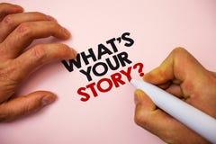 文字笔记陈列什么是您的故事问题 陈列企业的照片要求某人告诉我关于他自己记号笔pa 免版税库存照片