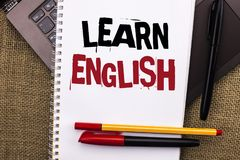文字笔记陈列学会英语 企业照片陈列的研究另一种语言学会事外国通信writte 免版税图库摄影