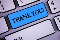 文字笔记陈列感谢您诱导电话 企业照片陈列的欣赏问候承认谢意writte 库存图片