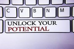 文字笔记陈列打开您的潜力 企业照片陈列显露天分开发能力展示个人技能writte 库存照片