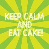 文本标志显示保留安静并且吃蛋糕 概念性照片放松并且喜欢吃甜食点心镶有钻石的旭日形首饰的照片 皇族释放例证