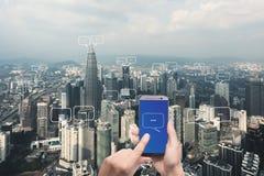 文本的空白在城市和泡影为通信聊天 库存照片