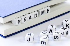 文本读书读了我在书之间页  免版税图库摄影