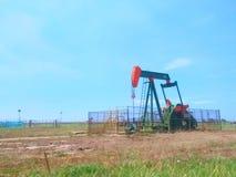 文莱在岸土地泵浦的石油工业石油 免版税库存照片