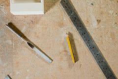 文件、铅笔和金属规则 库存图片
