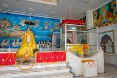 斋浦尔,印度- 2017年9月19日:室内观点的寺庙女神卡利市Ma和上帝斋浦尔本机寺庙的Bhairav Murti 库存图片