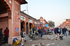 斋浦尔,印度- 2014年12月29日:人Indra市场参观街道在斋浦尔 图库摄影