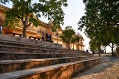 斋浦尔,印度- 2014年12月30日:旅游参观Nahargarh堡垒在斋浦尔 免版税库存照片