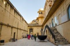 斋浦尔,印度- 2014年12月29日:旅游在斋浦尔附近的参观琥珀色的堡垒 免版税库存图片