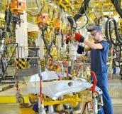 斑点联络焊接汽车设备的身体的焊接  Aut 库存图片
