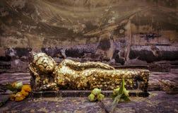 斜倚的菩萨雕象在阿尤特拉利夫雷斯,泰国 图库摄影