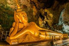 斜倚的菩萨suwankuha寺庙普吉岛泰国 库存图片