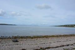 斯凯岛和拉赛岛从Gairloch 免版税库存照片