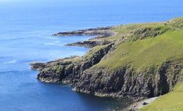 斯凯岛,苏格兰小岛的沿海海岸线  库存照片