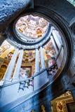 斯卡拉REGIA,别墅Farnese主要楼梯在卡普拉罗拉,意大利 库存照片