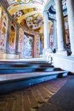 斯卡拉REGIA,别墅Farnese主要楼梯在卡普拉罗拉,意大利 图库摄影