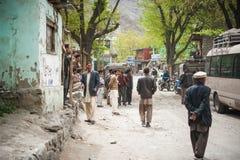 斯卡都,巴基斯坦- 4月18 :一未认出双人在斯卡都南部的, 2015年4月18日一个村庄在斯卡都,巴基斯坦 库存照片