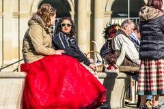 斯图加特,德国- 2018年2月19日:在狂欢节季节期间,人享用忏悔节 库存图片