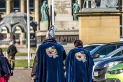 斯图加特,德国- 2018年2月19日:在狂欢节季节期间,夫妇享用忏悔节 库存图片