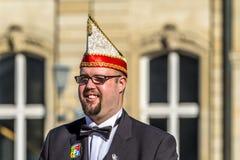 斯图加特,德国- 2018年2月19日:Shrove的忏悔节微笑的人在狂欢节期间晒干 库存图片