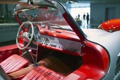 斯图加特,德国31日2012年:在默西迪丝博物馆的博览会的葡萄酒汽车 图库摄影