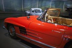 斯图加特,德国31日2012年:在默西迪丝博物馆的博览会的葡萄酒汽车 免版税库存照片