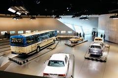 斯图加特,Gemany - 03 31 2013年:奔驰车博物馆、展览和细节 图库摄影