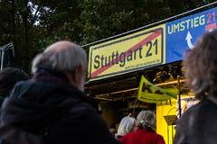斯图加特21项目抗议昂贵的城市火车站Constr 库存图片