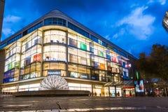 斯图加特Koenigsstrasse商城夜间长的曝光 库存图片