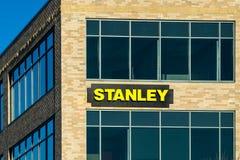 斯坦利黑色和分层装置办公室和商标 免版税库存照片