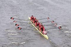 斯坦福人的乘员组在查尔斯赛船会人的主要Eights头赛跑  库存图片