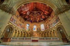 斯坦福,加利福尼亚- 2018年3月19日:斯坦福纪念教会法坛 免版税库存图片
