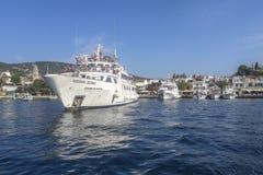 斯基亚索斯岛市村庄视图 免版税库存照片
