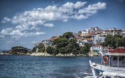 斯基亚索斯岛的老港口 免版税库存图片